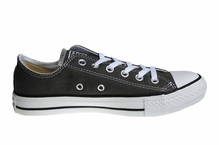 Lage Converse All Star in het donker grijs. De grijze All Stars zijn een van de meest gewilde kleuren. Bij ons binnen in de kleine damesmaten.