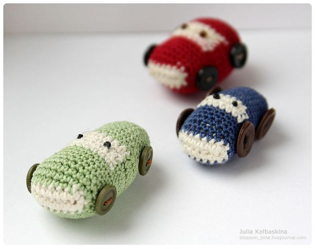 Crocheted cars made by Julia Kolbaskina; how cute are these!