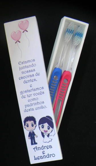 Convite para padrinhos - escova de dentes!! * Caixinha de MDF própria para colocar 2 escovas