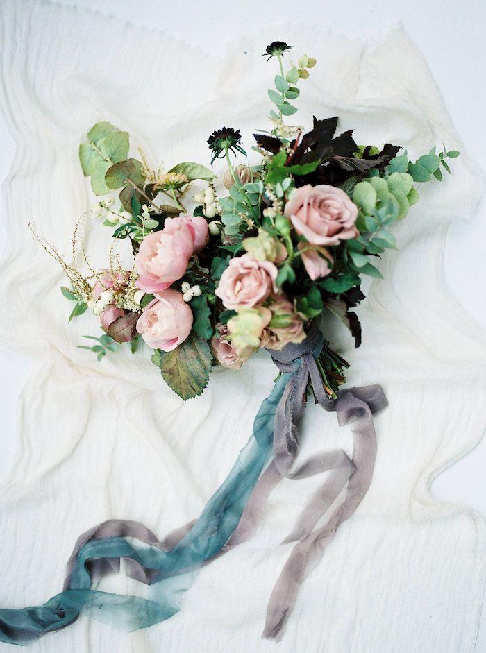 moody blooms #weddingbouquet