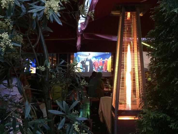 In der Adria alle Spiele geniessen, egal bei welchem Wetter.    Adria Pizzeria Restaurant Bar Lounge in Muenchen   www.adriamuenchen.de #Adria #Ristorante #Bar #Lounge #Muenchen #Pizza #Pasta #Schwabing #Leopoldstrasse #Pizzeria #Munich