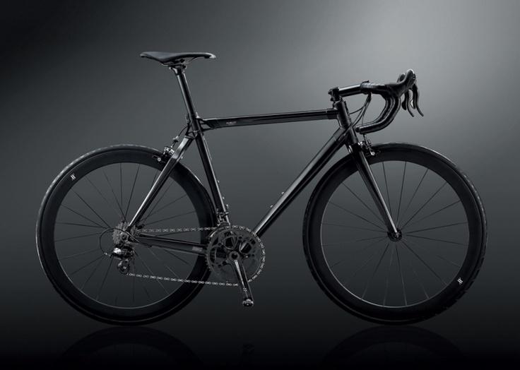 ALL BLACK BIKE | A race against the clock with the hublot All Black Bike