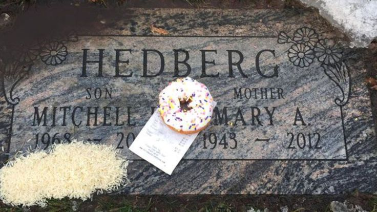Mitch Hedberg, who brought an extremely laid-back delivery style to his absurd, quasi-philosophical observations and one-liners, would have been 48-years-old this Wednesday. The comedy world has not seen his like again since his untimely, drug-related death in 2005. Among Hedberg's most famous and f