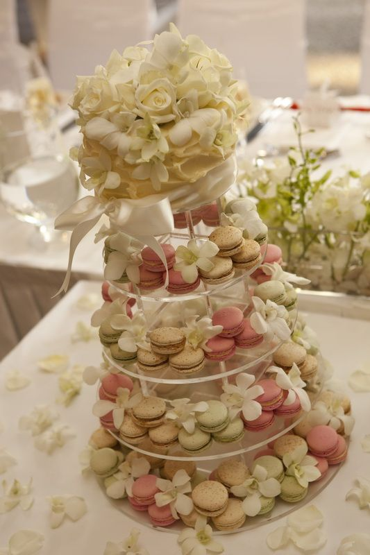 macaroons wedding cake 25 best ideas about macaroon wedding cakes on 16971