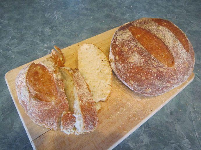 Pain artisanal-artisan bread   http://www.cfaitmaison.com/pain/pain-en-cinq-minutes.html