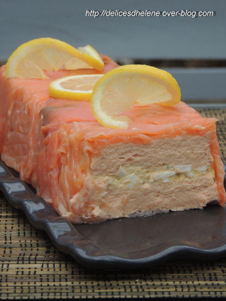 Il y a quelques semaine, j'ai eu le plaisir de recevoir une belle box de la mer envoyée par la marque Delpierre, composée de tranches de saumon fumé et de pavés de saumon fumé (idéal pour de belles salades composées). Les tranches de saumon m'ont inspiré...