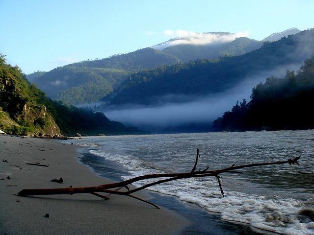 The Great Himalayan Expeditions Camps Rishikesh - Beach Camp #rishikesh #riverraftinginrishikesh  http://www.river-rafting-rishikesh.in/great-himalayan-expeditions-camps-rishikesh/