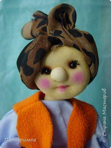 """Такие личики можно делать разным куколкам, особенно они подходят для попиков.  Для работы нужно: 1. колготки 2.синтепон 3.нитки, ножницы, иглы 4.бусинки для глаз 5.пряжа для волос 6.румяна и тени для макияжа, или художественная пастель """"Сонет""""  фото 1"""