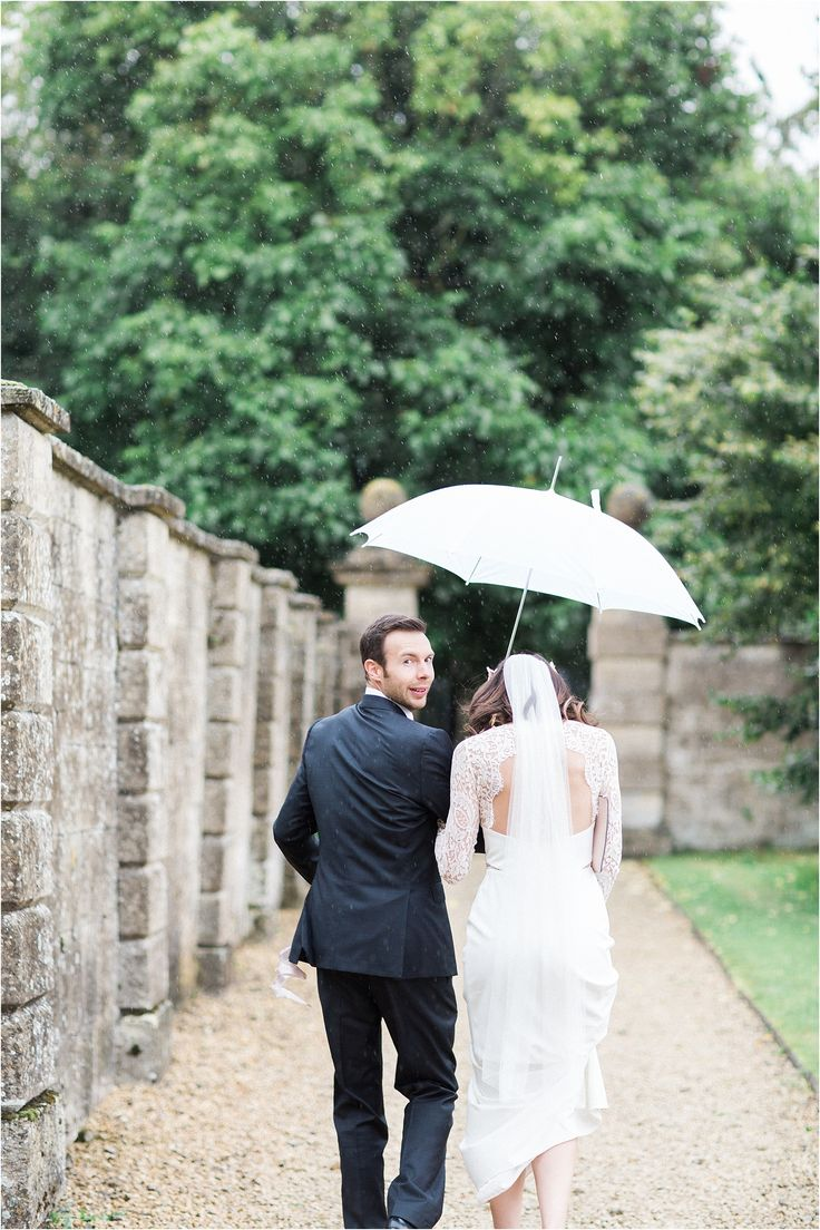 Tips on what to do if it rains on your wedding day | Bowtie and Belle Photography
