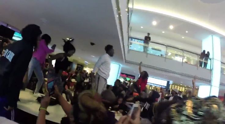 """Travis Porter """"Epic Twerk Flash Mob"""" [Video]- http://getmybuzzup.com/wp-content/uploads/2015/03/mob-650x359.jpg- http://getmybuzzup.com/travis-porter-epic-twerk-flash/- Travis Porter Flash Mob at Lenox Mall in ATL Travis Porter is back to remind us all why they are considered the """"The Kings Of Twerk Music.""""Saturdayafternoon Travis Porter took over Lenox Mall in Atlanta, GA with a massive flash mob of twerkers, twerking to their latest strip club a...- #TravisP"""