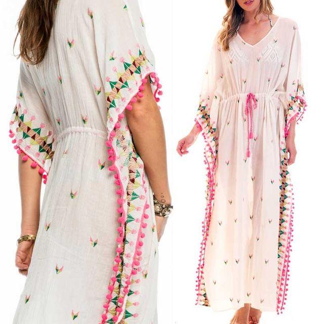 Zomer jurk Vrouwen Multicolor Geborduurd Kaftan Jurk boho chic katoen pompom trim V-hals sexy strand tuniek jurk 2017 kleding