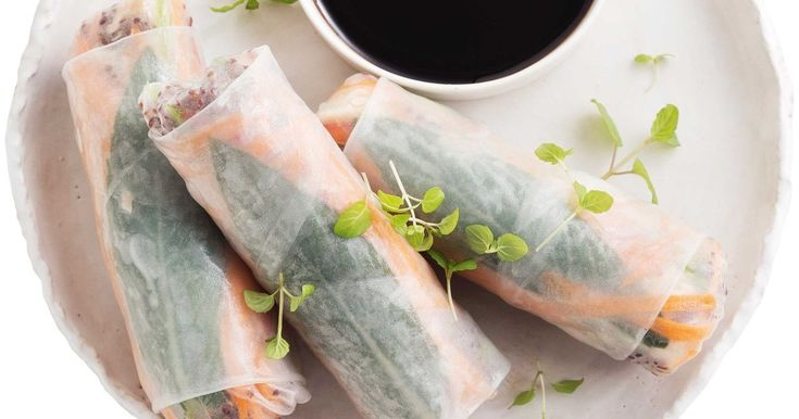 Roll up for this deliciously low-cal, low-fat and gluten-free lunch!