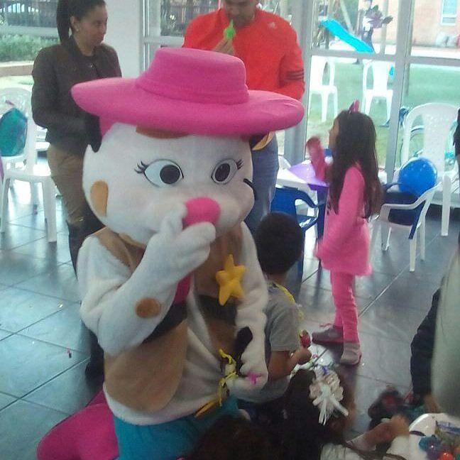 Personajes y muñecos para fiestas infantiles en Bogotá chia boyaca llamanos realizamos increíbles fiestas 3204948120  #fiestasinfantilesBogotá #fiestasinfantiles #recreacionistas #recreacion #personajes #muñecos #saltarines #inflables #recreacion