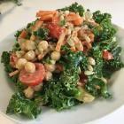 Foto recept: Boerenkoolsalade met kikkererwten en tahini