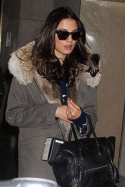 """In NYC walking out of Today Show. Sunday somewhere glasses, Yves Salamon jacket, Nicolas leather pants, Banjo and Matilda sweater. Celine bag."""""""