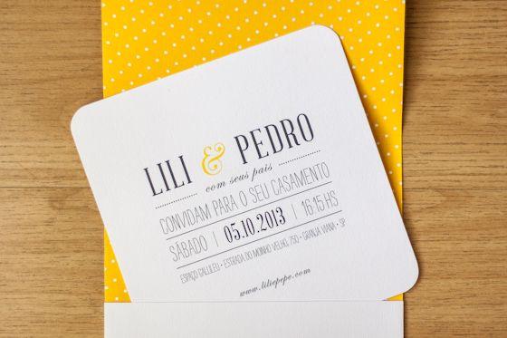 Convites mais simples e menores podem ter menos custo e ser delicado e sofisticado do mesmo jeito!!  Vamos nos inspirar? contato@santodecasa.com