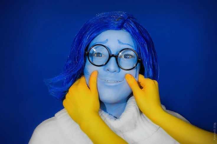 Inspiration & Accessories: DIY Inside Out Sadness Costume Idea