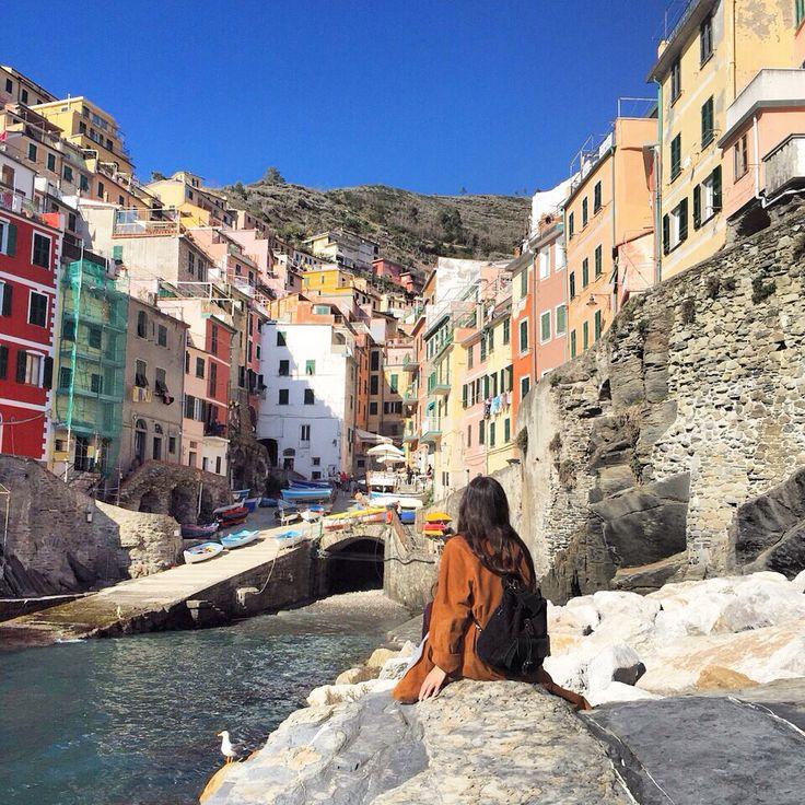 Riomaggiore, Cinque Terre, Italy @mariahoriati