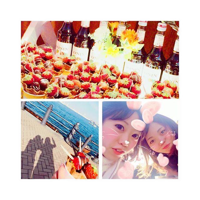 【matsuri_h】さんのInstagramをピンしています。 《いちご〜〜( ^ω^ )♡♡ #丸ビル #lunch そのあと #strawberryfestival #赤レンガ倉庫 #横浜 #苺 #海 #晴天 #女子っぽい (笑)》