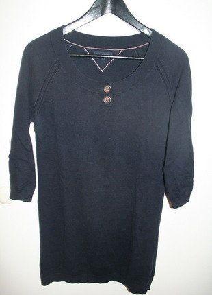 À vendre sur #vintedfrance ! http://www.vinted.fr/mode-femmes/autres-pull-overs-and-sweat-shirts/26346451-pull-long-et-leger-bleu-marine-tommy-hilfiger