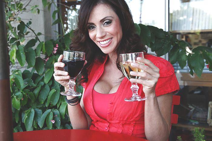 Ariella Ferrera Escort
