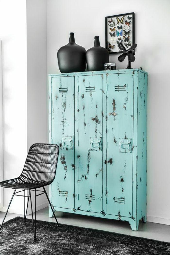 les 10 meilleures id es de la cat gorie armoire m tallique. Black Bedroom Furniture Sets. Home Design Ideas