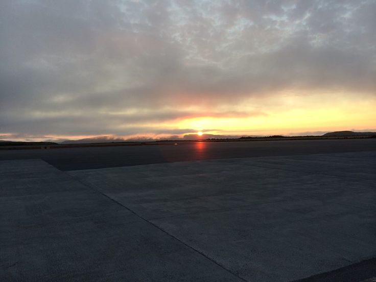Kirkenes airport at night (Midnightsun).