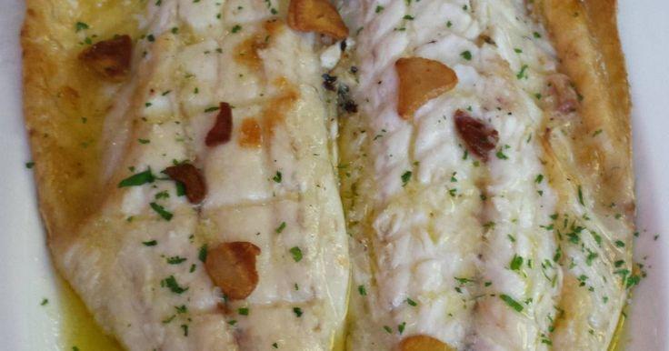Fabulosa receta para Lubina con ajitos. Lubina al horno con ajitos