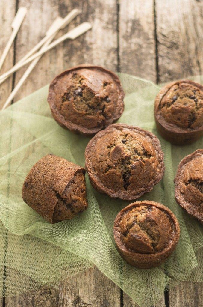 Muffins alla banana e caffe' con gocce di cioccolato —Torta di rose