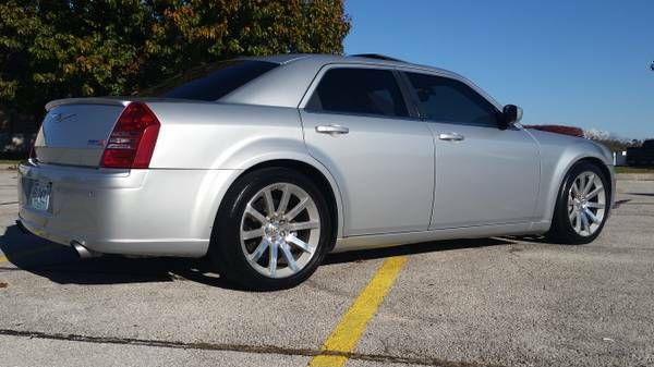 1000 ideas about chrysler 300 srt8 on pinterest ultra wheels chrysler 300 and plymouth fury. Black Bedroom Furniture Sets. Home Design Ideas