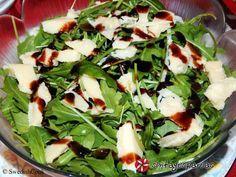 Σαλάτα με σπανάκι, ρόκα και παρμεζάνα #sintagespareas #salatamespanaki