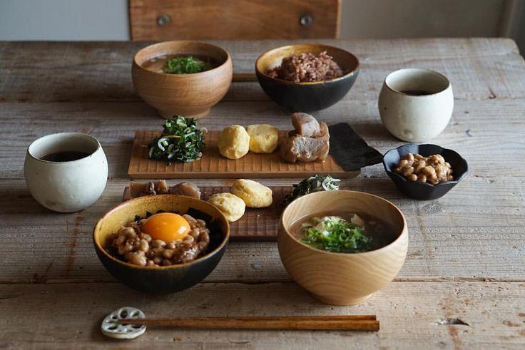 今月あたまから新サロンの物件探し中📝いいものに出会いますよーに🙏 . 「私が楽で自由に使えるモノゴト」より「生徒さまたちが楽で自由に使えるモノゴト」でいろんなモノゴトを作っていきたいな☺️ . 2017年は、3か月レッスン、インストラクターコース、朝ごはんレッスン、発酵×IB資格講座、米粉で作る日本のおうちおやつラインと....盛りだくさん💪 したいことで仕事をさせてもらってるから、全力で駆け抜けようと朝から受験生なみに熱くなってます(笑) . あ、東京で朝ごはんレッスンを2月にします🎌ブログにプチ告知書きました . 朝ごはんは地味です🍙 . お味噌汁、玉葱しょう油麹の納豆たまごごはん、こんにゃくの醤煮、大根葉とちりめんの柚子炒め、あぁ玄米が美味しい。