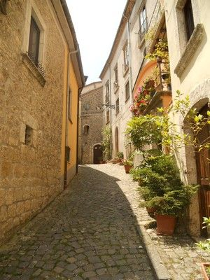 #Ripabottoni, a road in the Borgo - #Molise #AbruzzoRuralProperty