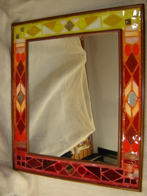 espejo decorado con mosaico de vidrio y encapsulado en resina x