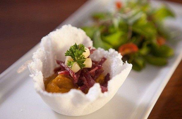Cestinha de tapioca tem abóbora e carne seca como recheio (Foto: Divulgação / Johnny Geosfera)