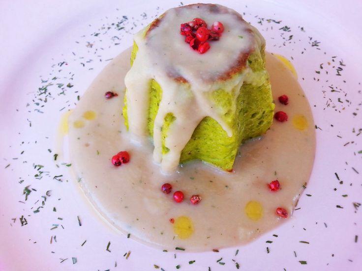 Tortino di zucchine con crema di fagioli http://www.lovecooking.it/antipasti-e-contorni/tortino-di-zucchine-con-crema-di-fagioli/