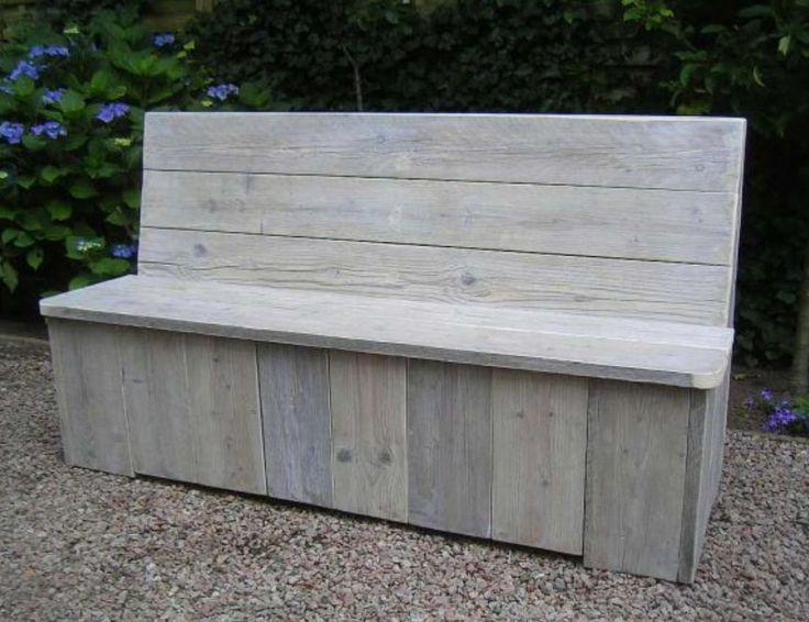 Klepbank gemaakt van oud steigerhout. De meubels worden gemaakt door steigerhoutfryslan/friesland. Kwaliteit staat bij ons hoog in het vaandel! U kunt bij ons kiezen uit div kleuren. Voorzien  van een matte coatinglaag. Goed afneembaar kring en vlekvrij.