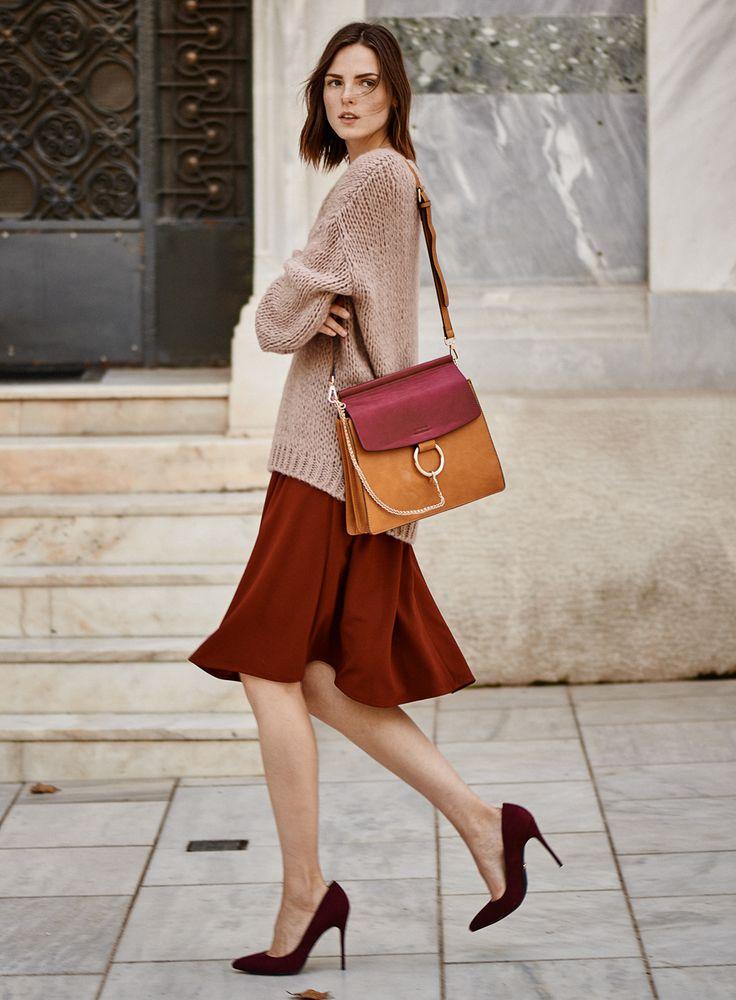 #streetstyle #fullahsugah #bag #heels #burgundy #fashion #trend #sweater