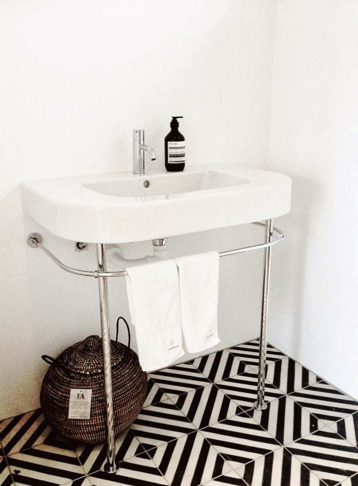 A Parisian Colorist Works Her Magic Tiled Bathroomsbathroom Floor Tileschevron Bathroomguest Bathroomskitchen Floorblack White