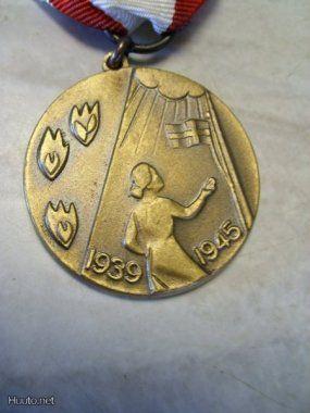 Sota-ajan Mitali Kotirintama Naiset 1939 -1945 komee - Huuto.net