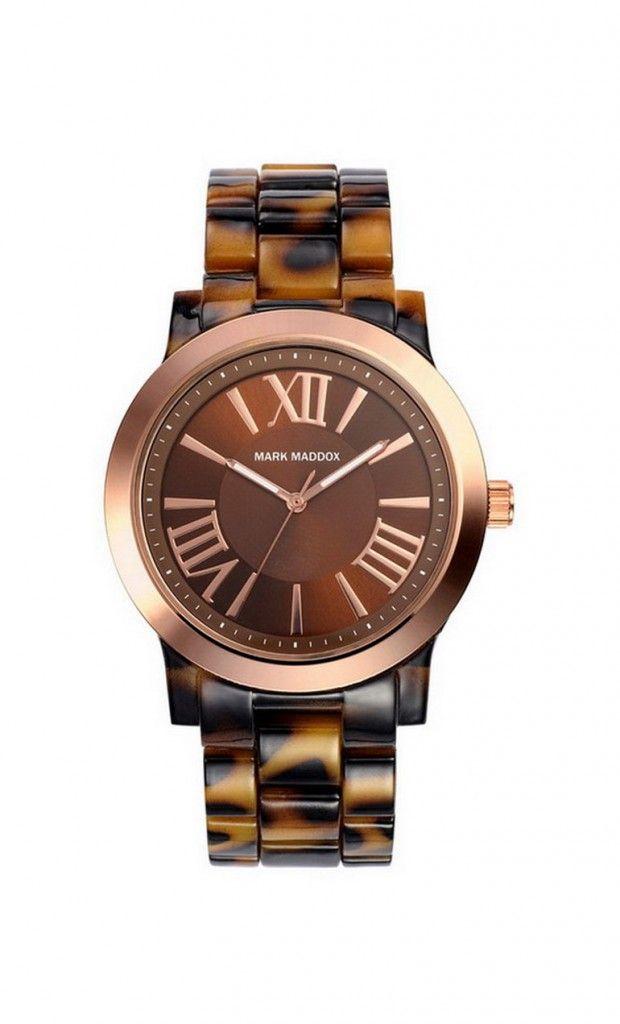 El color cobre sigue de moda, te traemos este interesante modelo con números romano, te gusta?   Reloj tres agujas brazalete de color marrón y esfera marrón con índices romanos. Cierre desplegable. Cristal mineral. Impermeable 30m (3ATM).