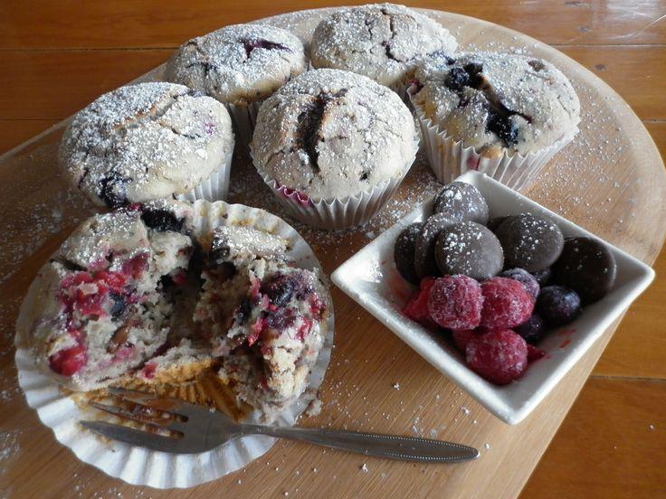 Raspberry and dark chocolate muffins = devine <3