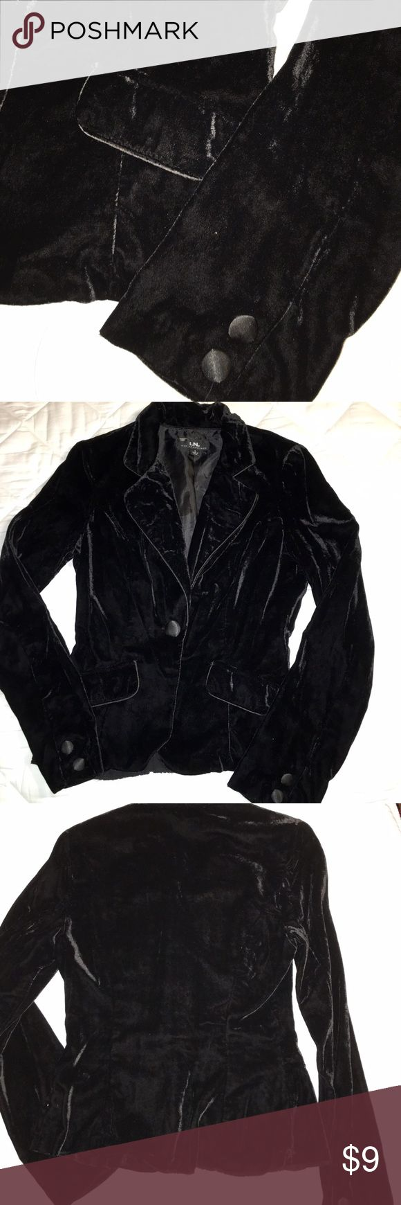Black Velvet Jacket This jacket is more fitted, and also is a lighter version of velvet. The lining and material are not as thick as typical velvet- offering a cooler option. Please ask if you have any questions! I am negotiable, and will bundle. Happy shopping! I.N. San Francisco Jackets & Coats Blazers