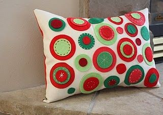 Google Image Result for http://www.holidaycraftprojects.com/wp-content/uploads/2010/12/felt-circle-throw-pillow-tutorial.jpg