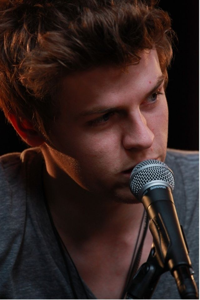Joel Peat from Lawson is like Sex God! :p