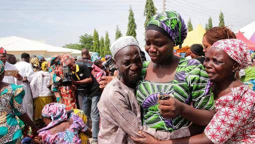 Bij twee zelfmoordaanslagen in een vluchtelingenkamp nabij Maiduguri, de hoofdstad van de Noord-Nigeriaanse deelstaat Borno, zijn gisteren zestien ...