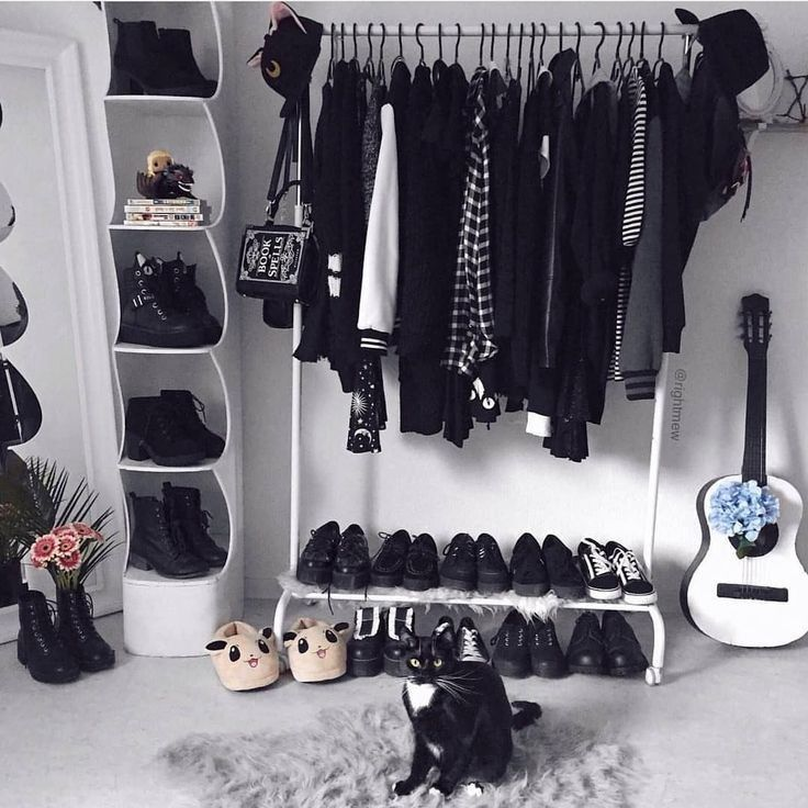 Pin by Alder Cardenas Vargas on яσσм | Grunge room ... on Room Decor Paredes Aesthetic id=62168
