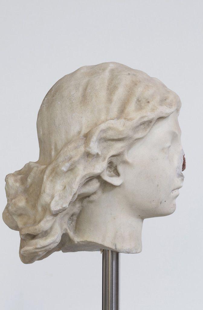 Nicola Samorì, Geminata, 2014, marmo Bianco di Carrara, Travertino Rosso Persiano, cemento, acciaio, 167x25x22cm - See more at: http://www.tripartadvisor.it/nicola-samori-scultura-lissone/