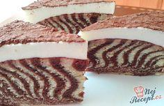 Zebra koláč je velmi populární, ale tento je s chutí pomerančové kůry. Vynikající s mascarpone krémem, posypaný kvalitním kakaem.