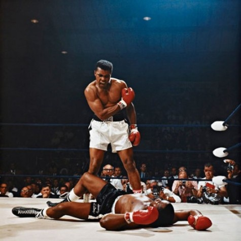 picc: Sonnyliston, Bees, Muhammad Ali, Neil Leifer, Sports Photos, Mohammed Ali, Mohammadali, Sonny Liston, People